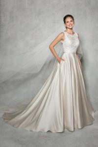Wedding dress shape A line