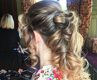 Bridal trends – Hair by Kelly – a loose hair style with long curls