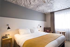 North Lakes Hotel wedding venue - a bedroom