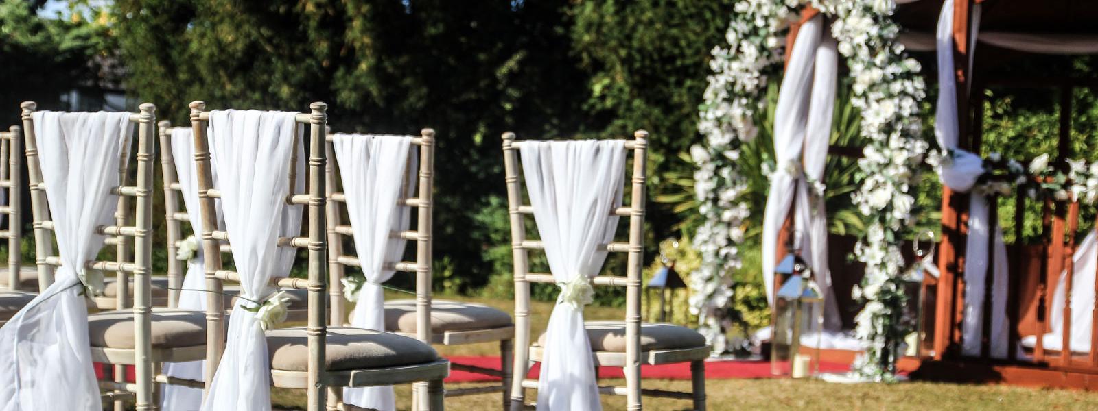 Crabwall Manor - an outdoor summer wedding