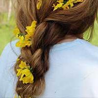 Flowers in hair wedding