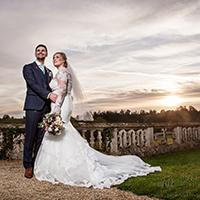 Choosing the right wedding photographer