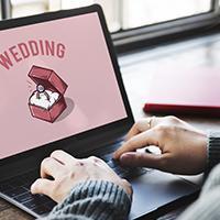 Social media wedding couple
