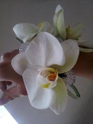 Wrist-corsage-image