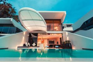KATA-ROCKS---Sky-villa-ocean-loft