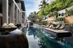 Manathai-Surin-Phuket---Pool-2